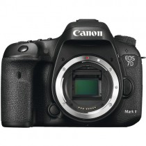 Canon EOS 7D Mark II +WE 1 WIFI + EF-S 18-135mm 3.5-5.6 IS STM