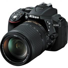 Nikon  D5300 Kit inkl. AF-S DX 3,5-5,6 / 18-105 mm G ED VR schwarz